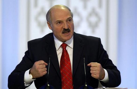 Лукашенко не считает, что он предатель, он просто жмет