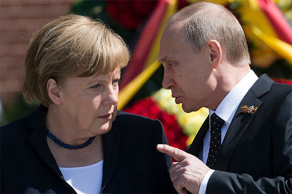 Путин изложил Меркель причины пробуксовки минских договоренносте