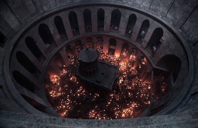 В Иерусалиме сошел Благодатный огонь. Фото. 317070.jpeg