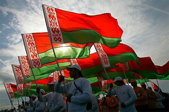 США не смогут повлиять на население России, Белоруссии и Казахстана - политолог.