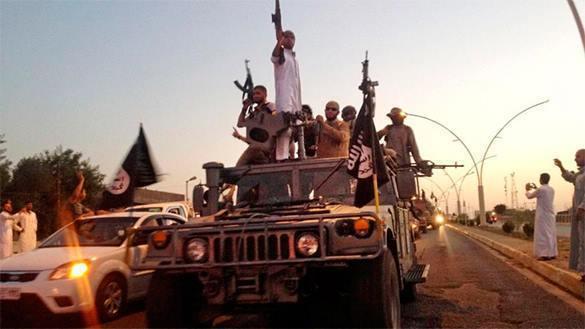 ИГ получает миллионы от контрабанды нефти