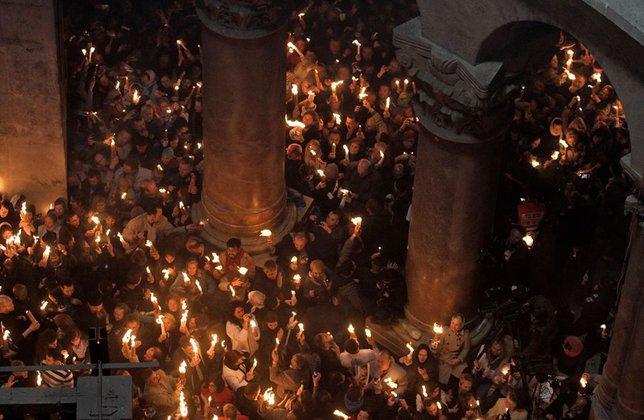В Иерусалиме сошел Благодатный огонь. Фото. 317071.jpeg