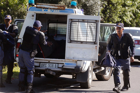 В ЮАР налетчики напали на инкассаторскую машину на оживленной тр