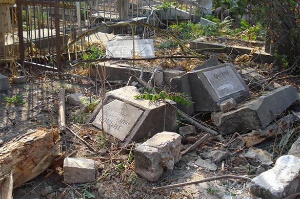 Восьмилетние вандалы повредили 30 могил в Братске