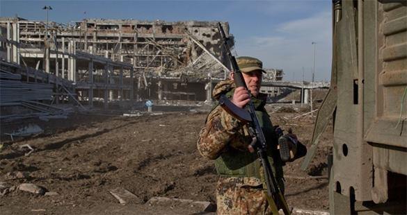 Что бы ни случилось, командовать Парадом будет Донецк - политолог. Военный в Донецке