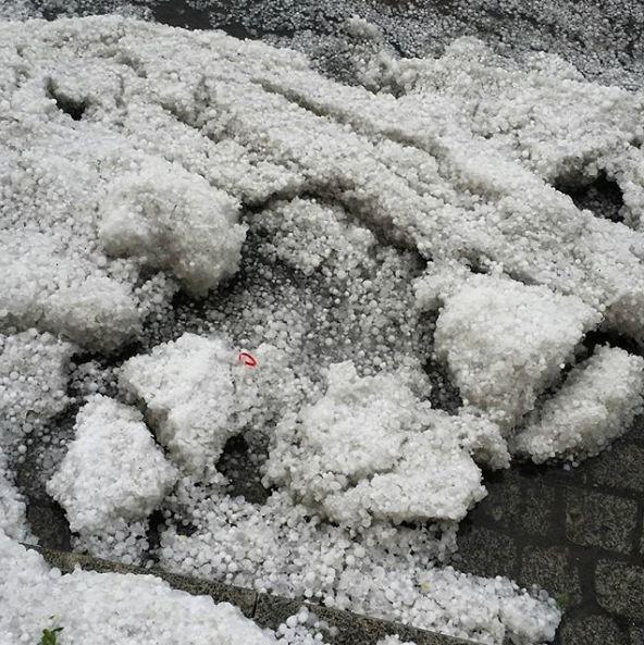 Петербург посреди июля завалило сугробами
