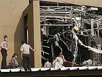 В результате терактов в отелях в Джакарте погибли семь человек
