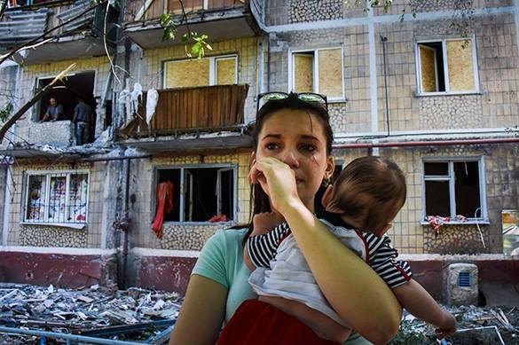 плачущая мама с ребенком , ДНР
