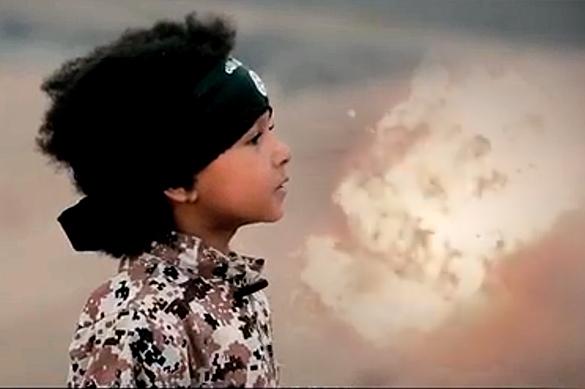 ИГИЛ показал видео казни заложников четырехлетним ребенком
