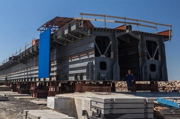 Собрана арка железнодорожной части Керченского моста