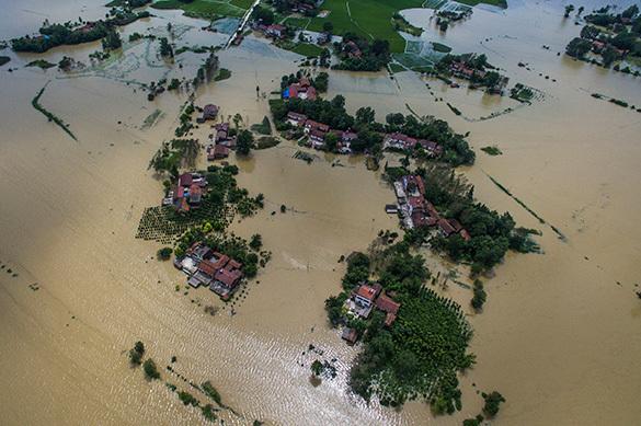 КНДР борется с наводнением