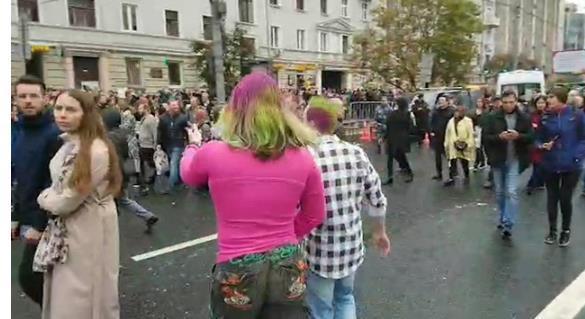 Митинг «оппозиции» на площади Сахарова стал бенефисом московских фриков. 404086.jpeg
