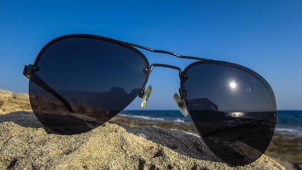 Как правильно выбрать солнцезащитные очки?. солнцезащитные очки