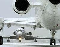 Более 150 туристов, летящих в Турцию, застряли в аэропорту