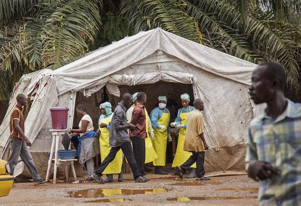 Африканские власти пытаются бороться с лихорадкой Эбола средневековыми методами. 296088.jpeg