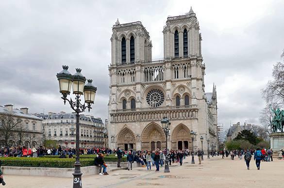 Мечеть Парижской Богоматери: Треш или грядущая реальность?