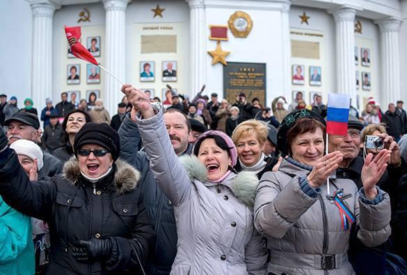 Newsweek посчитал торжества в честь возвращения Крыма в состав РФ