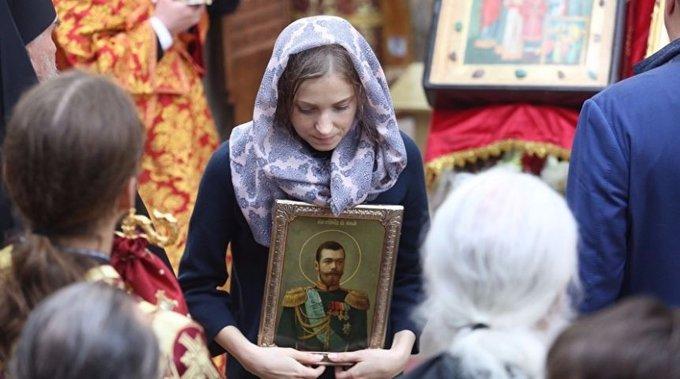 Поклонская не приедет молиться над любимым Николаем II. 389095.jpeg