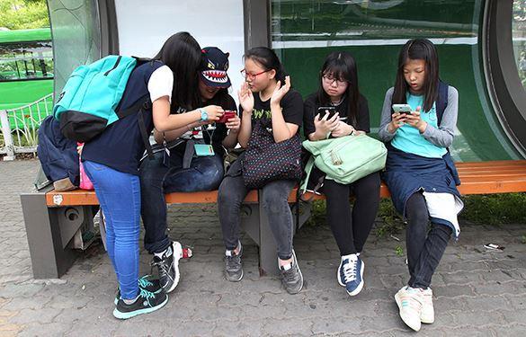Подросткам в Южной Корее внедрят в смартфоны шпионское приложение. 320101.jpeg
