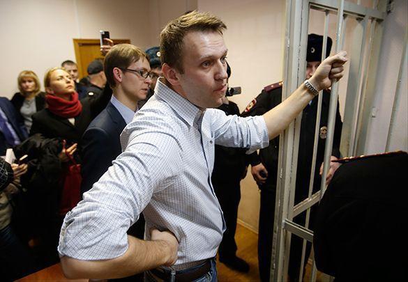 ФСИН требует отправить Навального на нары