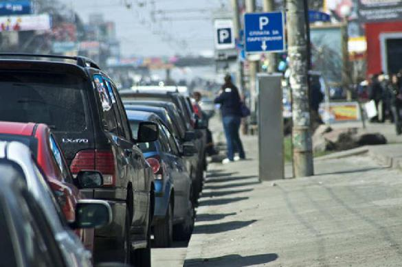 Дорогущей машины не досчитались на платной парковке. 381102.jpeg