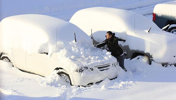 В России - весна: Вводится режим ЧС из-за аномальных снегопадов