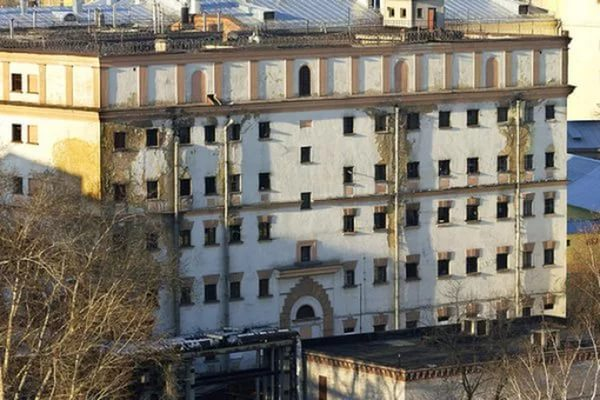 Русского Хокинга перевели из тюрьмы в больницу