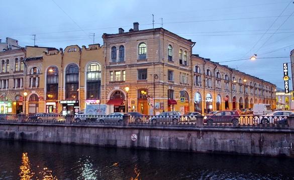 Суд Петербурга арестовал историческое здание Малого гостиного двора. 402107.jpeg