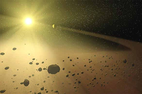 НАСА: летящий к Земле астероид похож на арахис в скорлупе