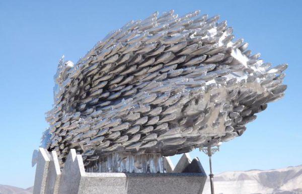 В Новороссийске вандалы разобрали памятник хамсе. В Новороссийске вандалы разобрали памятник хамсе