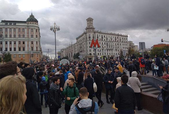 На призыв Навального выйти на акции народ отреагировал малочисленными митингами. 377110.jpeg