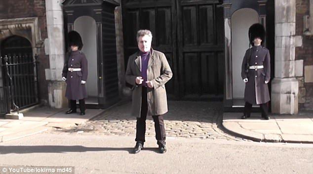 1:0 — Настырному туристу в Лондоне повезло разозлить королевск