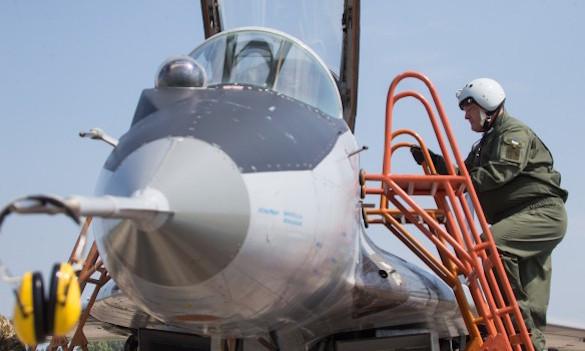 Порошенко покатался на истребителе МиГ-29. 373112.jpeg