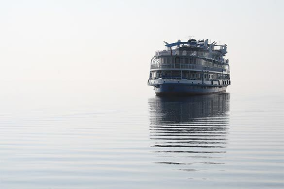 Украинский круизный лайнер резко поменял маршрут иплывет вРостов-на-Дону