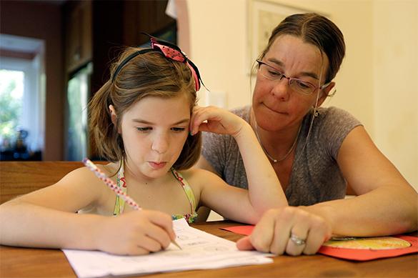 уроки, мама с дочкой, девочка, ученица