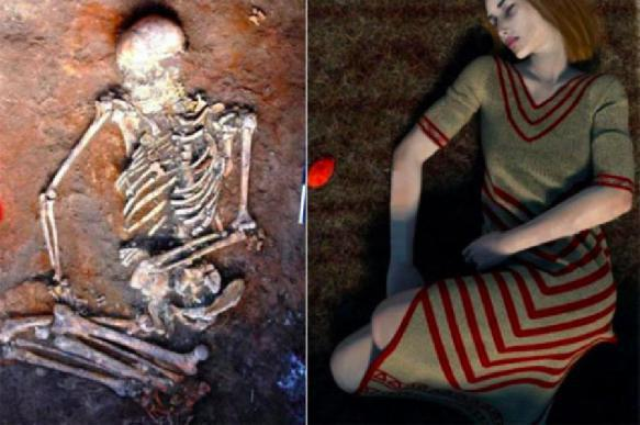 фото женщины со скелетом