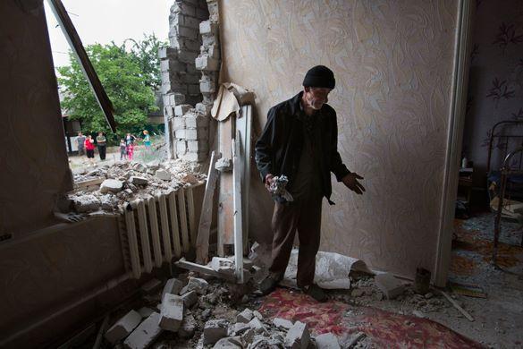 Украинская армия обстреляла мирних жителей  поселка   Макарово под Луганском. ВИДЕО. 293119.jpeg