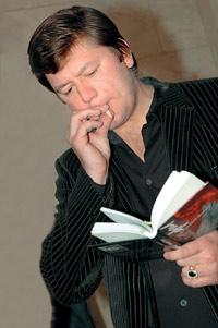 Дмитрий Дарин представит поэтический сборник