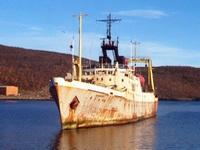 Российский траулер сняли с мели у берегов Приморья