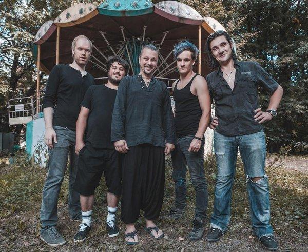 В Санкт-Петербурге умер гитарист группы
