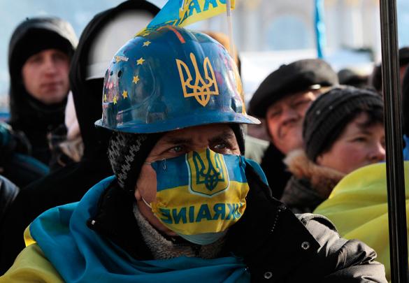 Одесские поклонники УПА устроили  парад желто-голубых петухов. 301120.jpeg