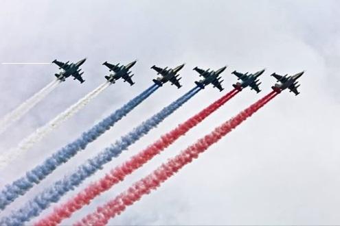 Шесть Су-25 поздравили американцев с Днем независимости. 389120.jpeg