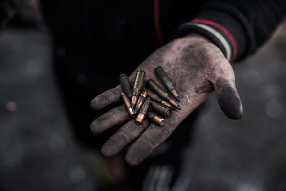 Турчинов опять требует от ополченцев сложить оружие. На что расчет?. 292123.jpeg