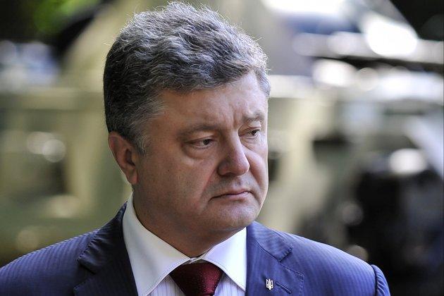 Порошенко поблагодарил США за санкции в отношении России. Порошенко благодарит США за санкции для России