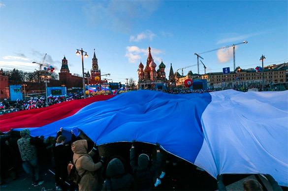 Социологи: Большинство россиян уверены - страна движется куда н