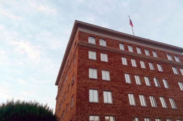 Американские власти вернули флаги, снятые с консульства РФ в Сан-Франциско. 378128.jpeg
