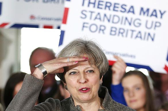 Британия обвинила Германию и ЕС в желании насолить Терезе Мэй