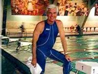 Выдающемуся пловцу вернули медали, украденные 25 лет назад