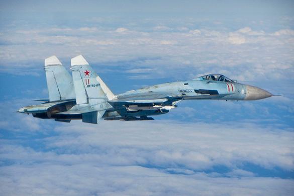 Российский истребитель шуганул американский самолет над Черным