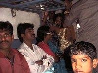 В индийских поездах ежедневно гибнут 17 человек